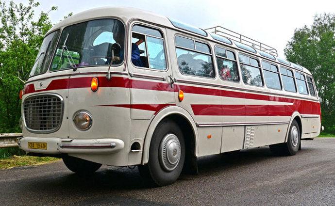 Pamätáte sa, keď po Československu jazdili takéto autobusy?