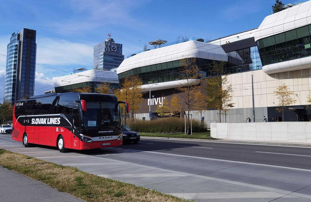 Váš autobus nájdete na novej stanici